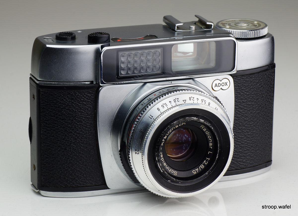 Medium format cameras - shooting 120 film in a 6x6 Adox Golf?